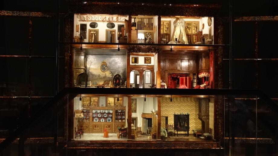 Soir e diapos les maisons de poup es hollandaises sont for Decoration maison hollandaise